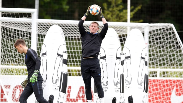 Dean-Henderson-England-Under-21-goalkeeper